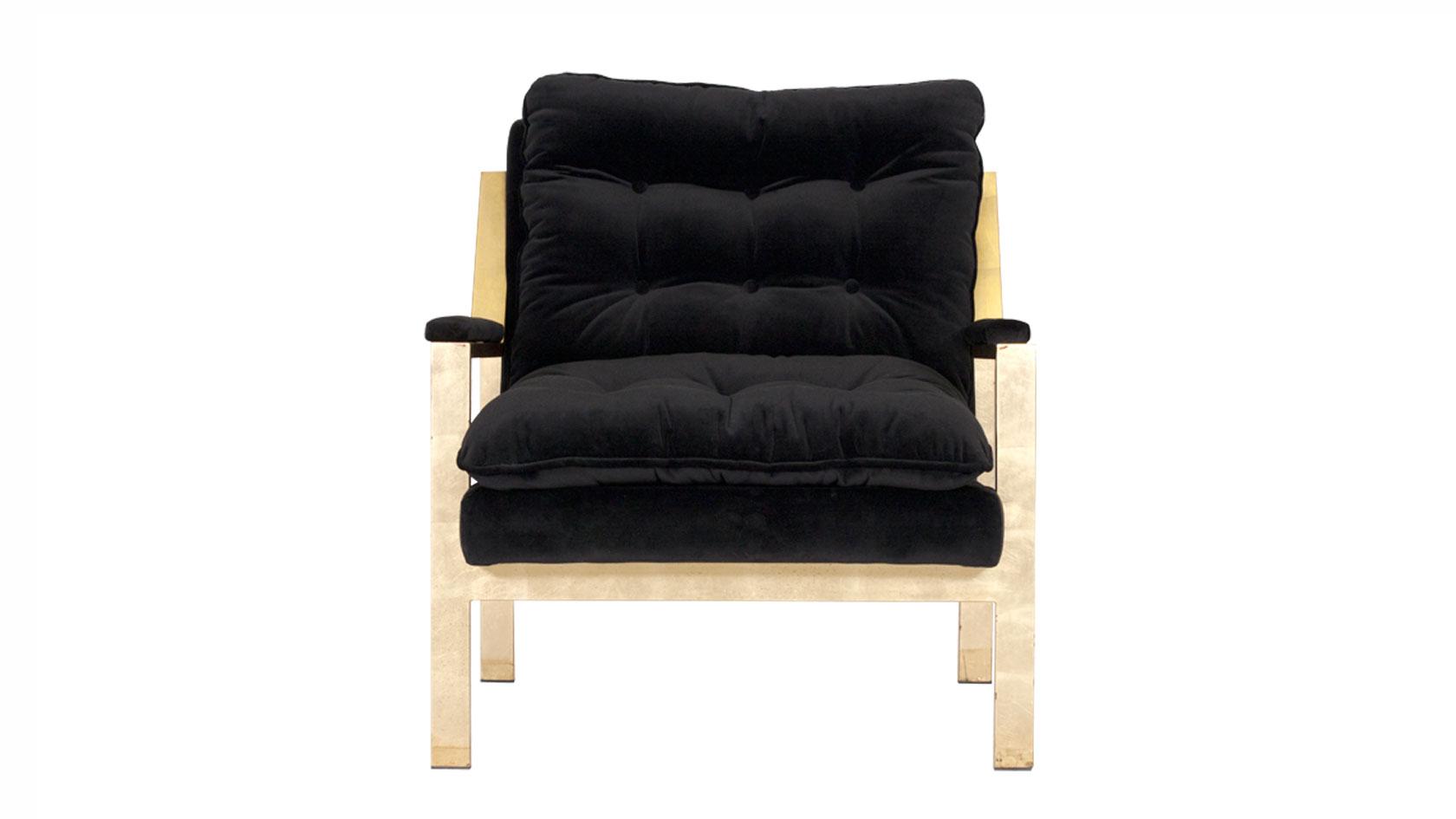 Cameron Lounge, Standard